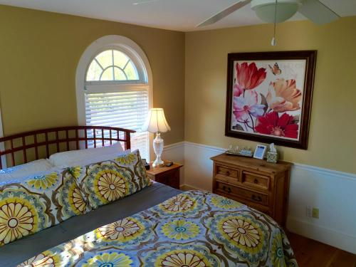 Bourne Bed And Breakfast - Ogunquit, ME 03907