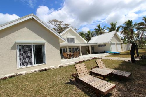 . Kixe Beachfront Resort
