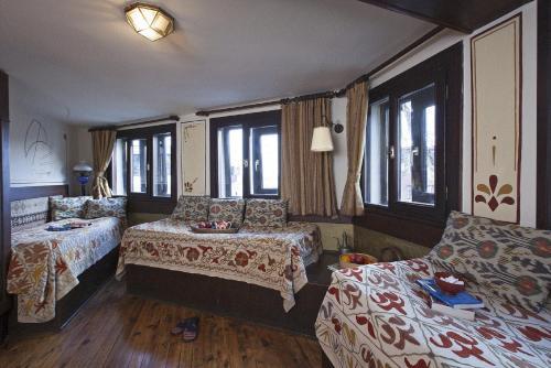Hotel Empress Zoe - 9 of 77