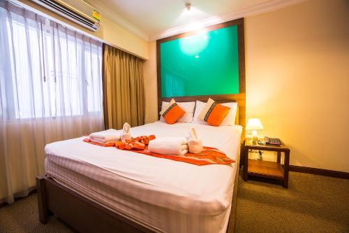 Triple 8 Inn Bangkok photo 35