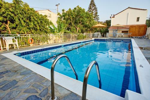 . Christinantzela Apartments