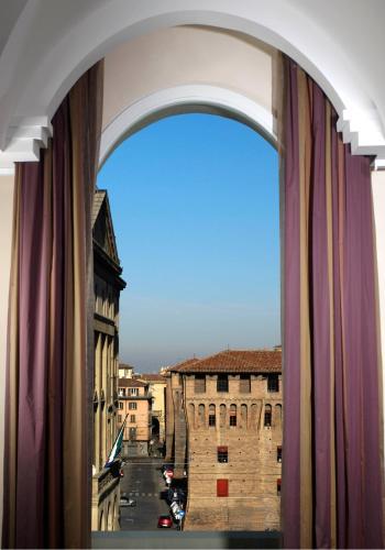 Piazza Galileo, 3/4 Bologna, Italy.