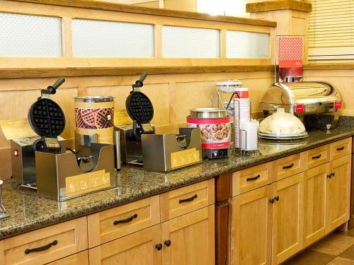 Hampton Inn & Suites Steamboat Springs - Steamboat Springs, CO 80488