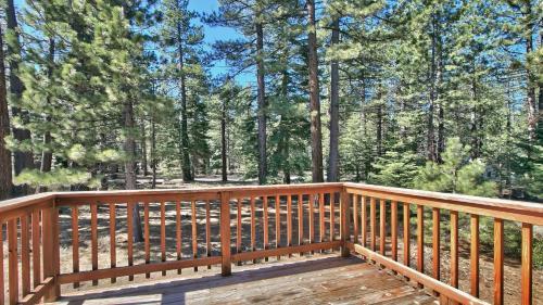 Sunny Townhouse Near Beaches - Lake Tahoe, CA 96150