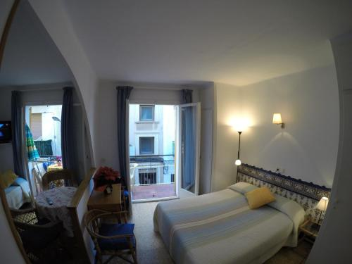 Apartamentos Montserrat photo 13