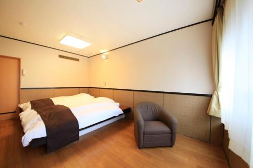 Standard Twin Room with Shared Bathroom*