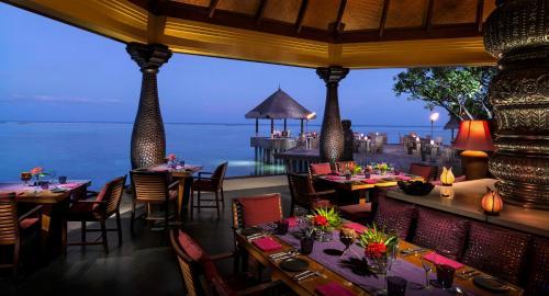 Фото отеля Four Seasons Resort Maldives at Kuda Huraa