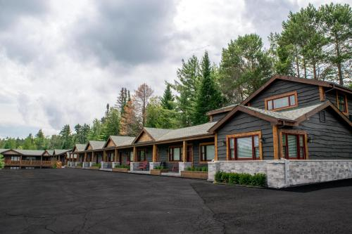 . Lake Placid Inn: Residences