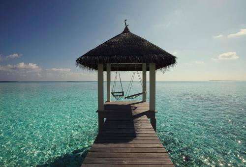 The Four Seasons Maldives at Landaa Giraavaru - 8 of 52