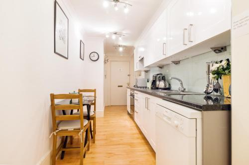 Picture of FG Property - Chelsea, Chelsea Embankment, Flat 9