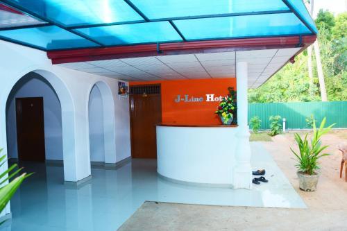 J Line Hotel