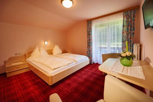 Фото отеля Hotel Schwaiger