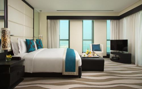 Sofitel Abu Dhabi Corniche photo 30