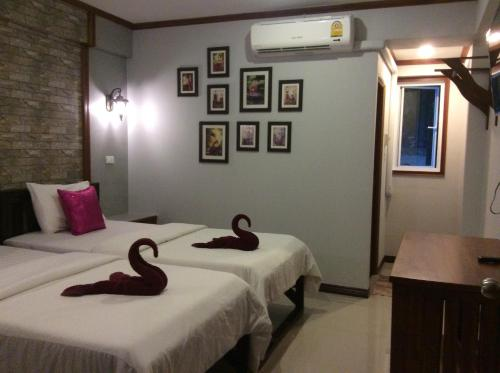 TR Guesthouse room photos