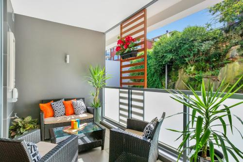 Balmain Rozelle Luxury 2 Bed Self Contained Apartment (105LIL) - image 2