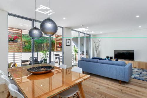 Balmain Rozelle Luxury 2 Bed Self Contained Apartment (105LIL) - image 3