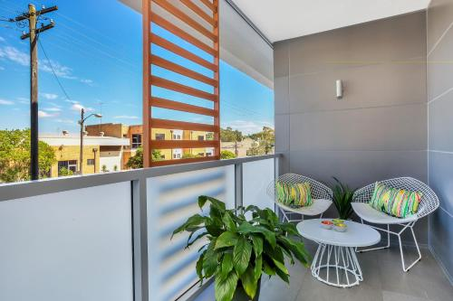 Balmain Rozelle Luxury 2 Bed Self Contained Apartment (105LIL) - image 7