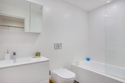 Balmain Rozelle Luxury 2 Bed Self Contained Apartment (105LIL) - image 8