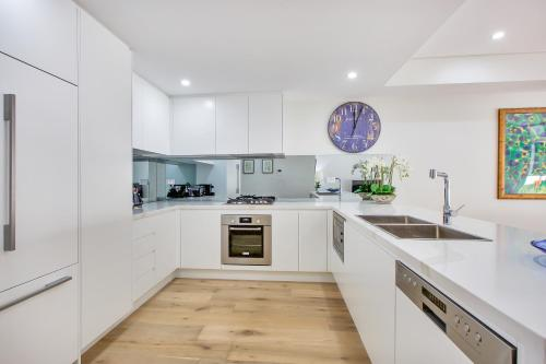 Balmain Rozelle Luxury 2 Bed Self Contained Apartment (105LIL) - image 12