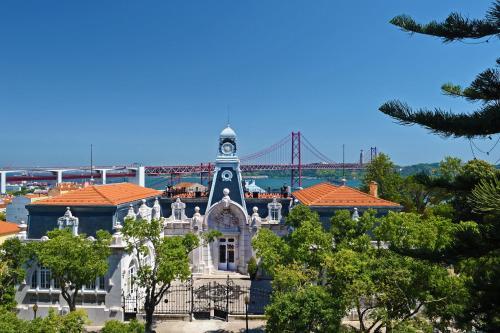 Rua Jau, 54, 1300-314 Lisbon, Portugal.