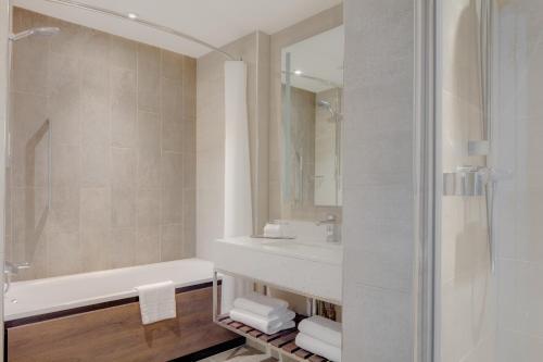 Hilton Edinburgh Carlton photo 18