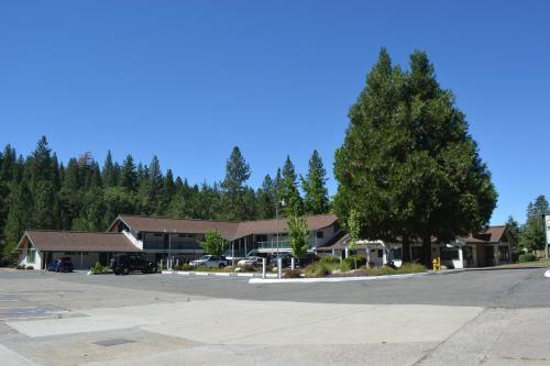 Pioneer Inn And Suites