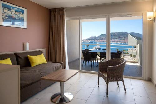 King Suite with Terrace and Sea View