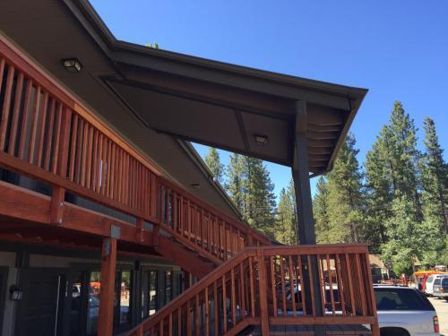 Big Bear Frontier - Accommodation - Big Bear Lake