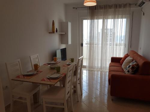 Flori beach Apartment Radhime