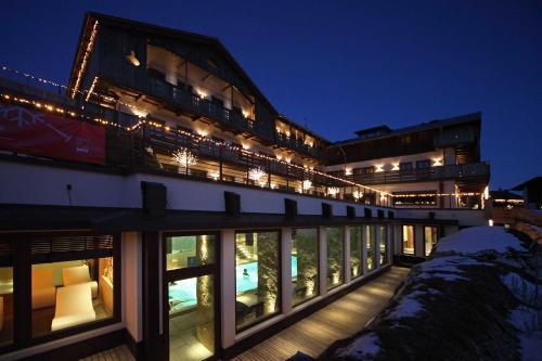 Rosapetra SPA Resort - Hotel - Cortina d`Ampezzo
