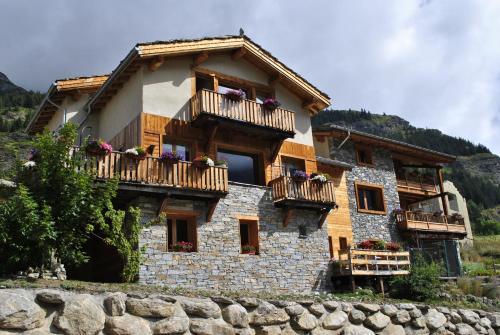 La Joubarde Lanslevillard Val Cenis
