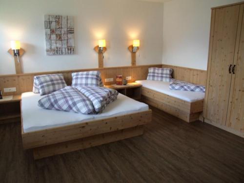 Ferienwohnung Lehenhof - Apartment - Ried im Zillertal