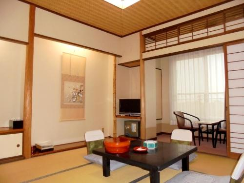 Standard Japanese Style Room - Smoking