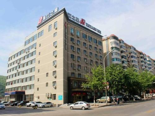 . Jinjiang Inn Benxi Bus Station