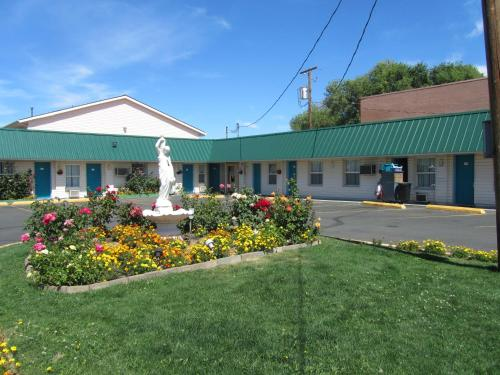 Rainbow Motel - Bend, OR 97701