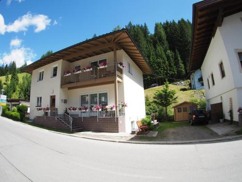 . Ferienwohnung Dolomitenheim