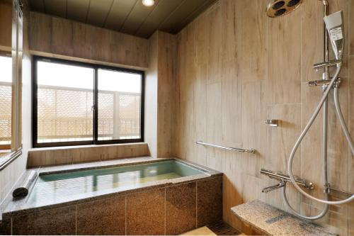 Superior Room with Tatami Area and Private Hot Spring Bath- Non-Smoking