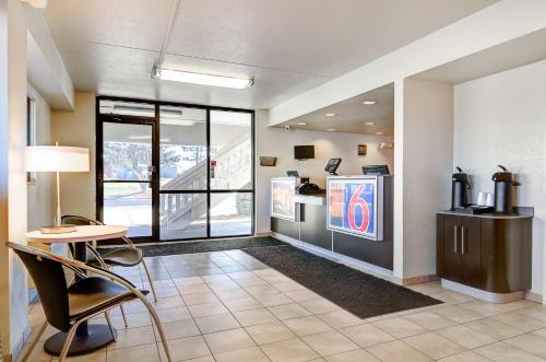 Motel 6 Springfield - North - Springfield, MO 65803