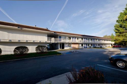 Motel 6 Camp Springs - Camp Springs, MD 20746
