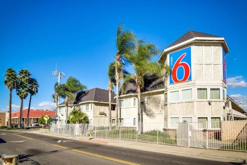 Motel 6 Riverside South