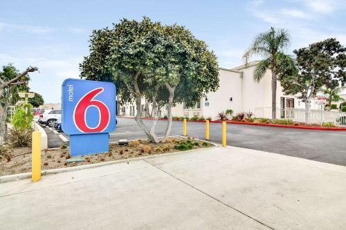 Motel 6-Carson CA