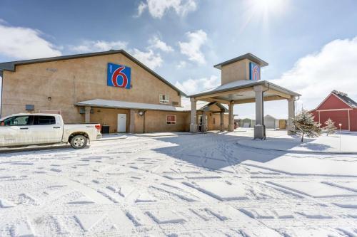 Motel 6-Innisfail AB - Innisfail, AB T4G 1P6
