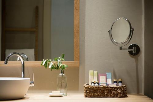 Habitación Doble - 1 o 2 camas - Uso individual Hotel Peralada Wine Spa & Golf 5