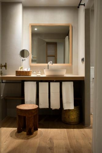 Habitación Doble - 1 o 2 camas - Uso individual Hotel Peralada Wine Spa & Golf 7