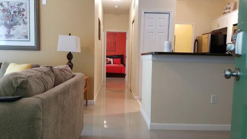 Stunning Condo - Kissimmee, FL 34747