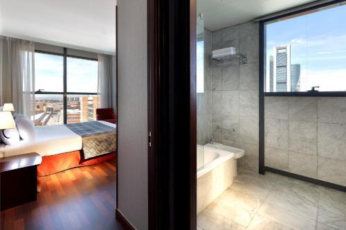 Hotel Vía Castellana - image 6