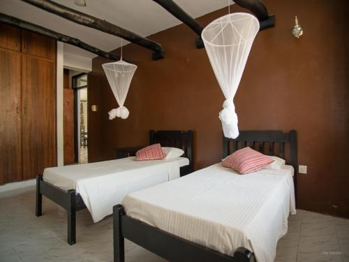 Budget Double or Twin Room in Shared Villa