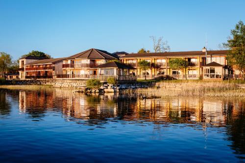 . Wineport Lodge