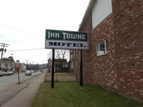 . Inn Towne Motel