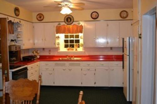 Beagle's Bed & Breakfast - Elysburg, PA 17860